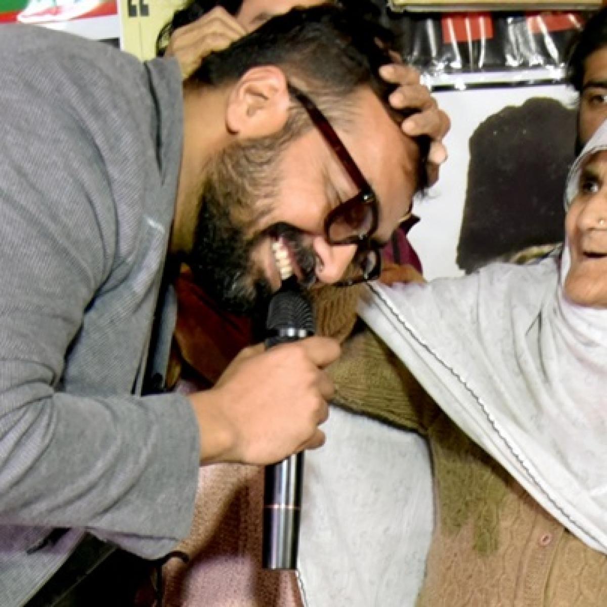 'Pro-CAA ka matlab Anti-Muslim': Anurag Kashyap, Javed Akhtar condemn Delhi violence