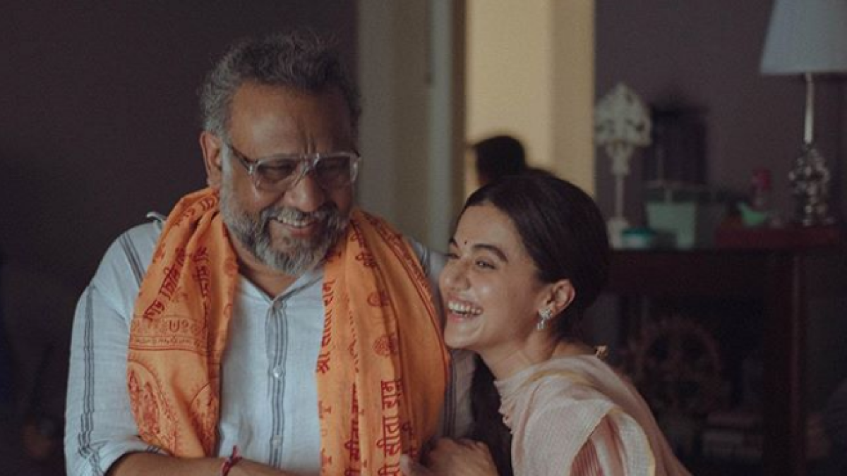 Actor Taapsee Pannu (R) with her Thappad film director Anubhav Sinha.