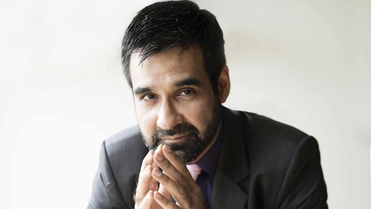 'The Office' actor Mukul Chadda talks about his love for non-fiction, e-books and more