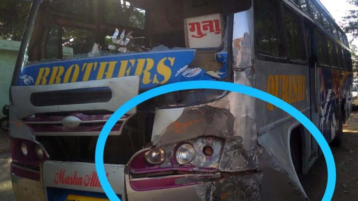 Bhopal: 4 students injured as bus hits school van
