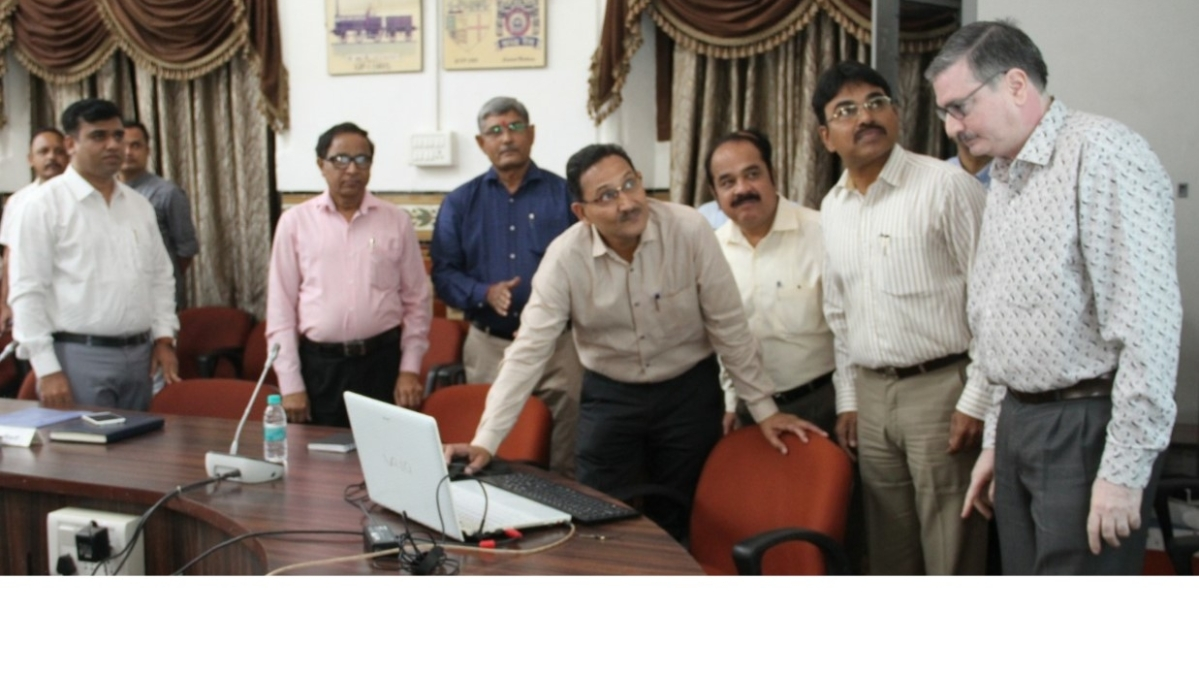 """GM Central Railway releases e-magazine """"UDAAN"""" atZonal Official Language Implementation Committee meeting on Central Railway"""