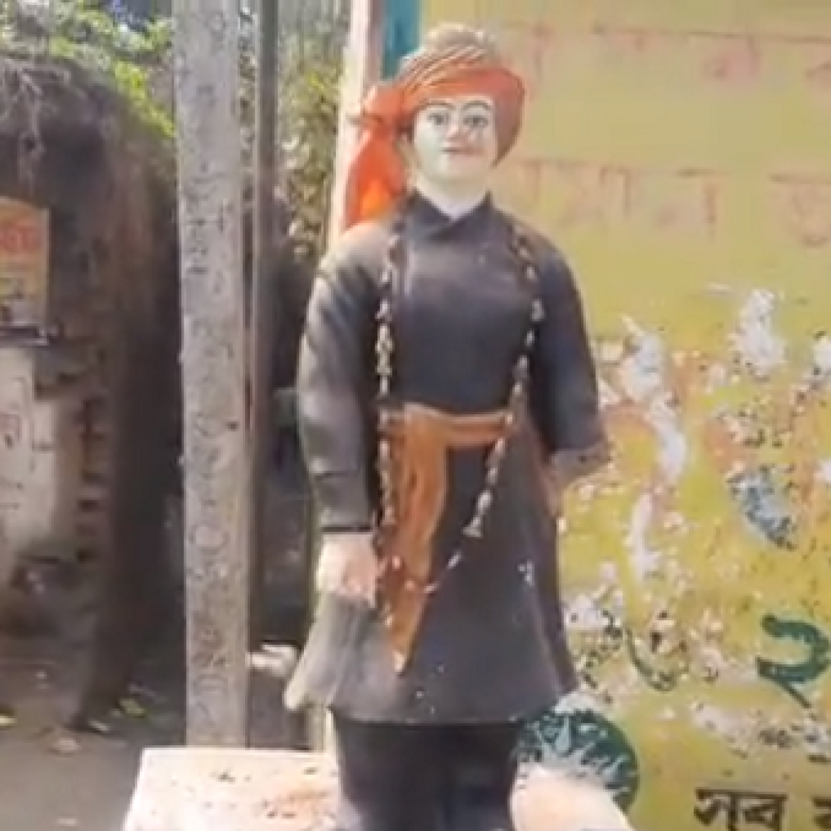 West Bengal: Swami Vivekananda's statue vandalised in Murshidabad district