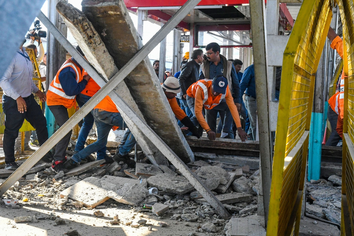 10 injured as ramp of bridge collapses at Bhopal Railway station