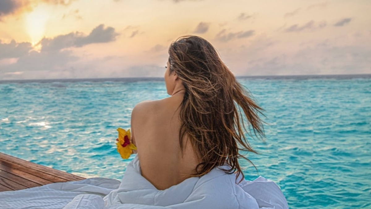Mouni Roy goes topless, shares sexy pictures from her exotic vacation