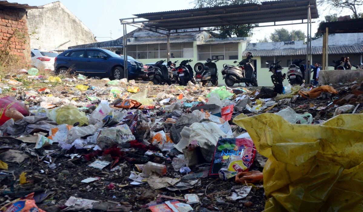 Bhopal: As Swachhta team leaves, garbage returns to city