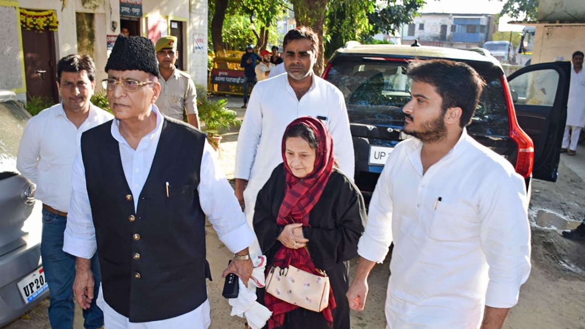 Samajwadi Party MP Azam Khan, wife, son sent to jail in fake birth certificate case