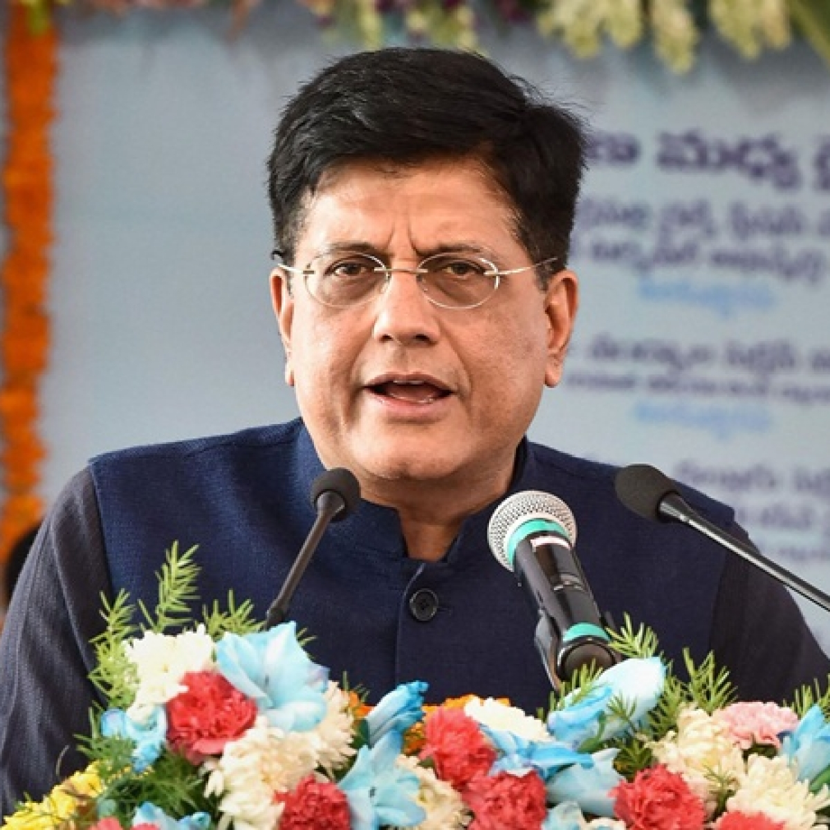 Piyush Goyal asks Maharashtra Govt to bring migrant workers on time to board special trains