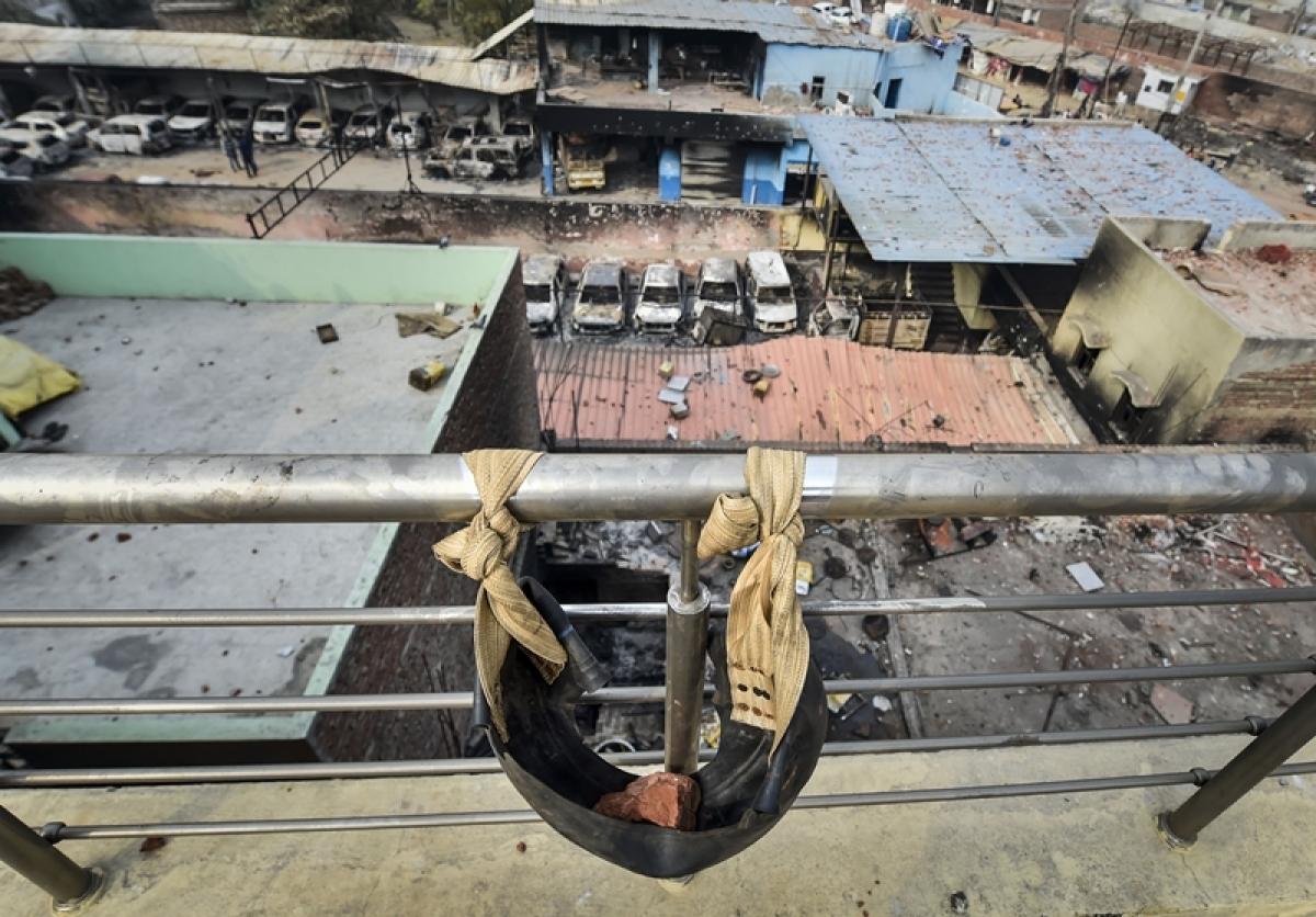 Delhi violence: Death toll 42, netas take over