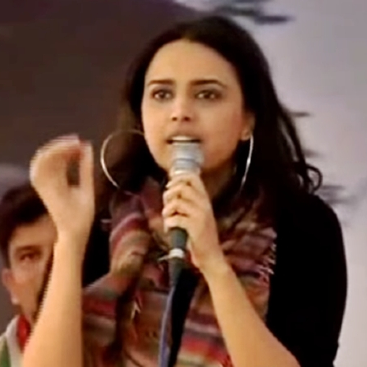 'My turn as Arnab': Watch Swara Bhasker's fiery speech against those 'trying to divide the nation'
