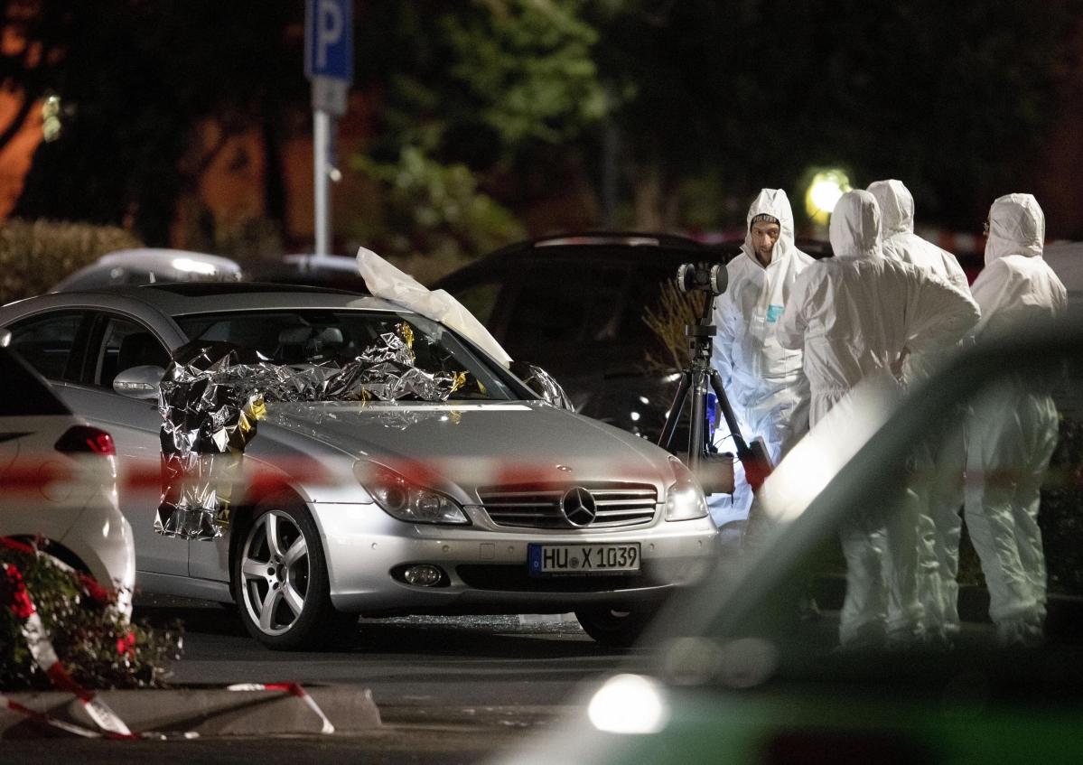 Suspected far-right attack kills nine in Germany