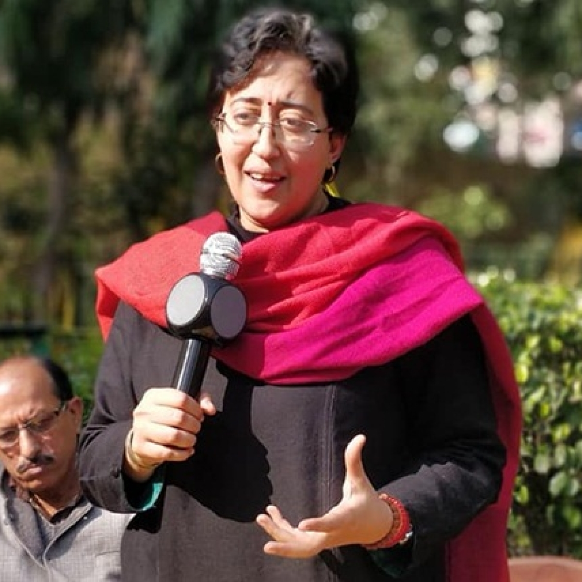 Atishi Marlena claims she is watching Harry Potter on Netflix with her niece; Twitter says stop bluffing