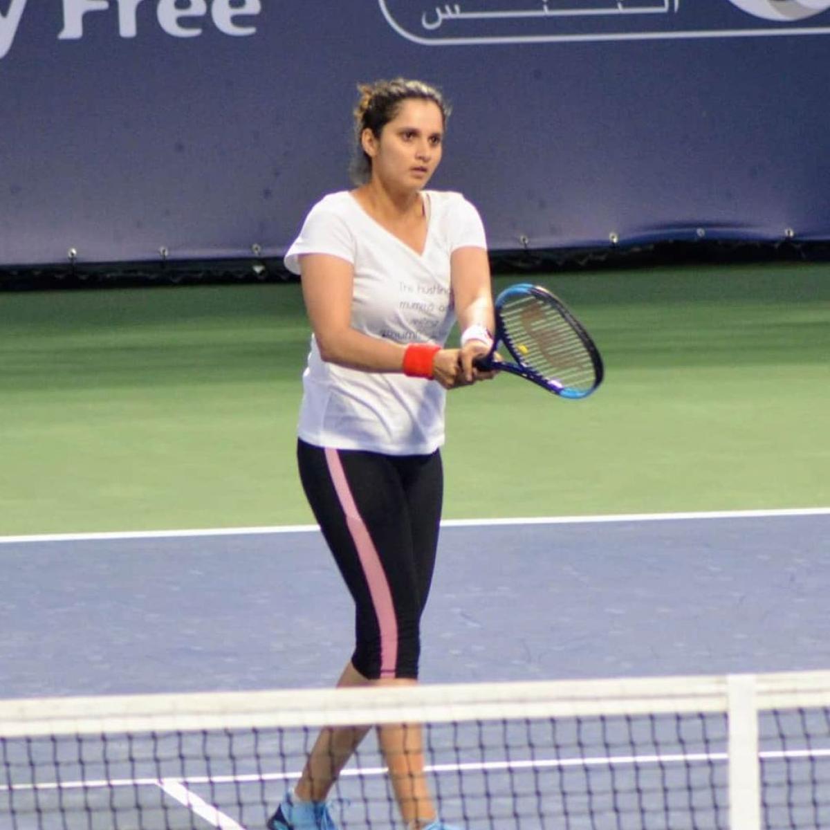 Sania Mirza reaches women's  doubles pre-quarters in Dubai Open