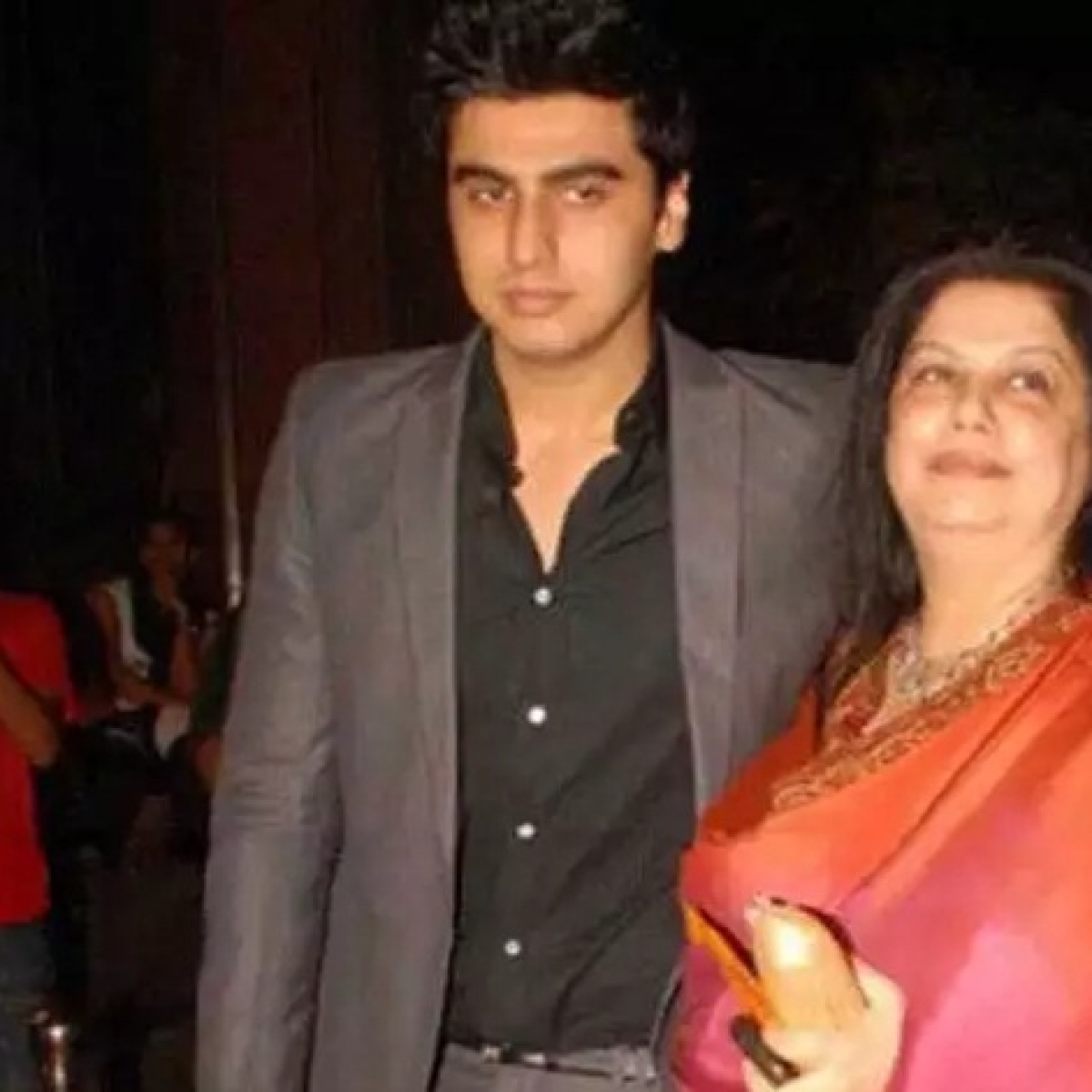 Arjun Kapoor's post on mom's birth anniversary has left fans teary-eyed