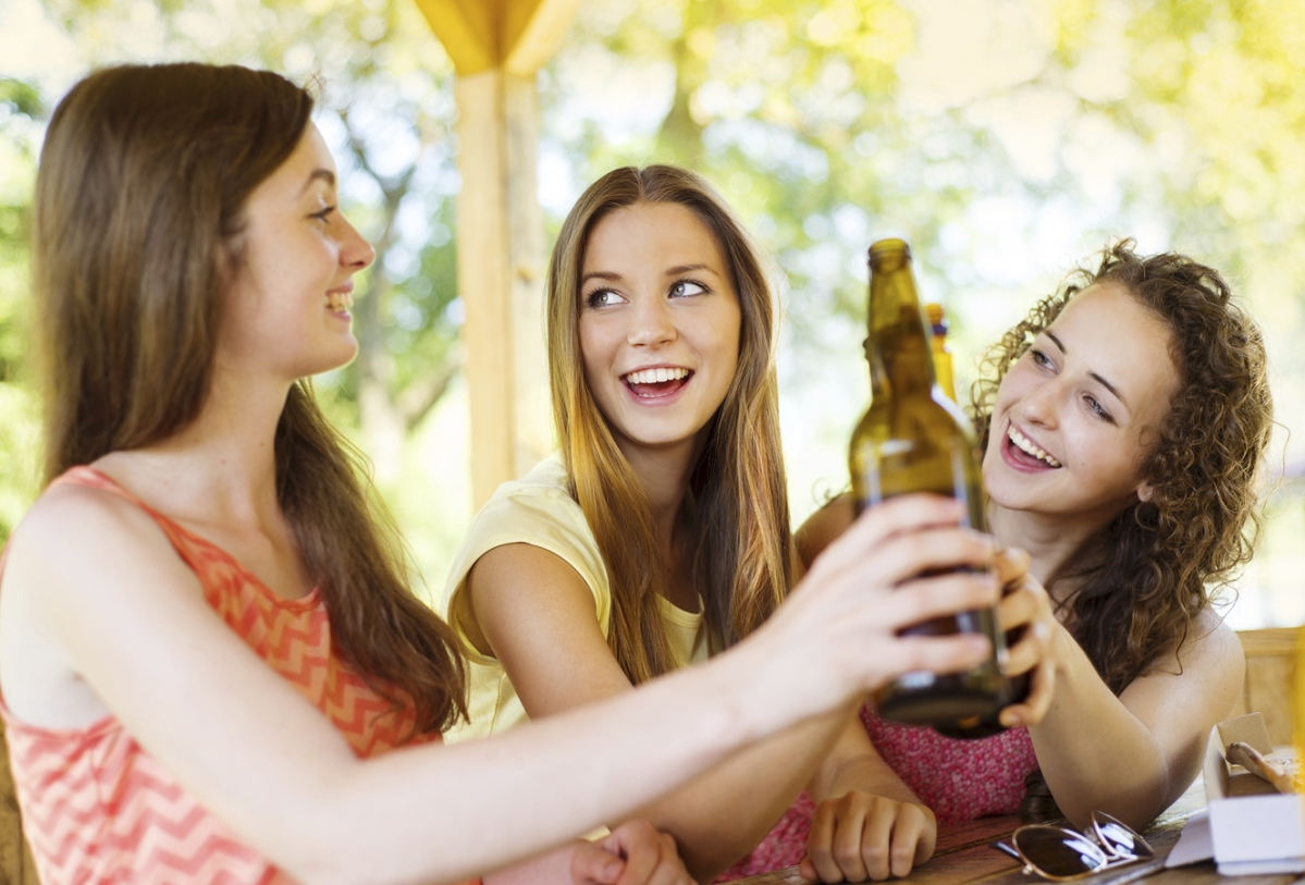 Exposure to alcohol ads ups teen drinking