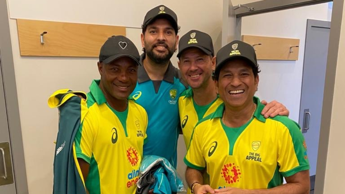 Reunion done right: Sachin Tendulkar, Ricky Ponting, Yuvraj Singh and Brian Lara pose after Bushfire Cricket Bash