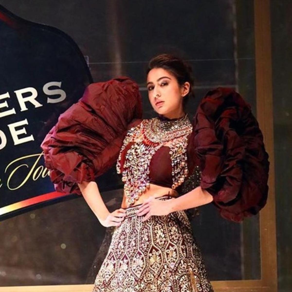 'Itni acting Love Aaj Kal me kar li hoti': Sara Ali Khan gets trolled for her 'horrible' ramp walk