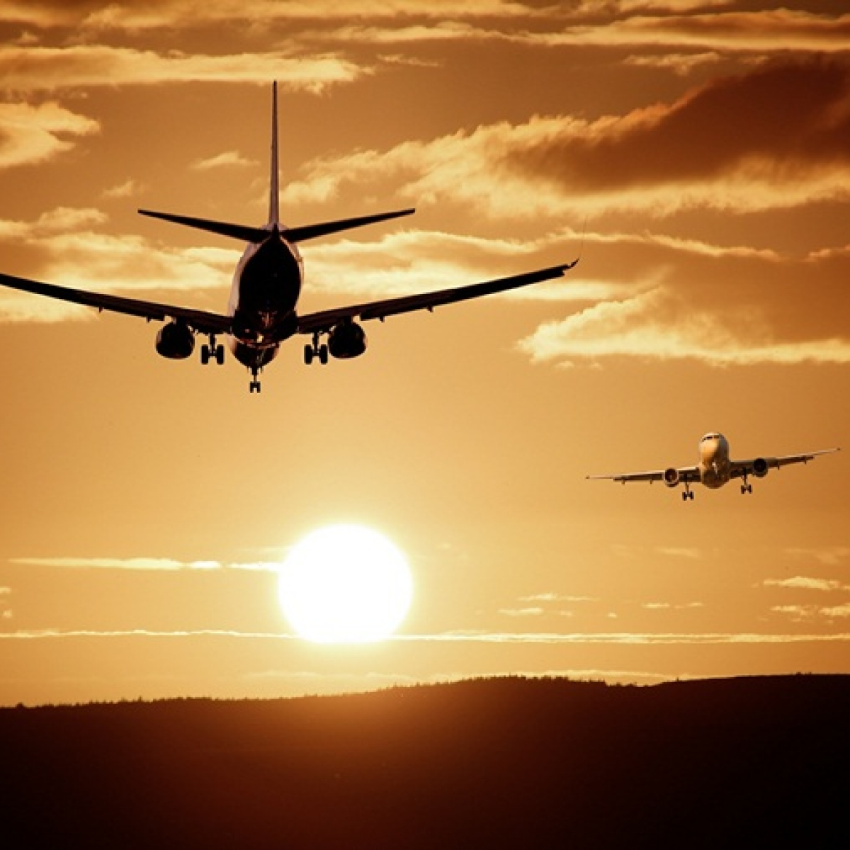 Keep middle seat empty or provide gowns: DGCA