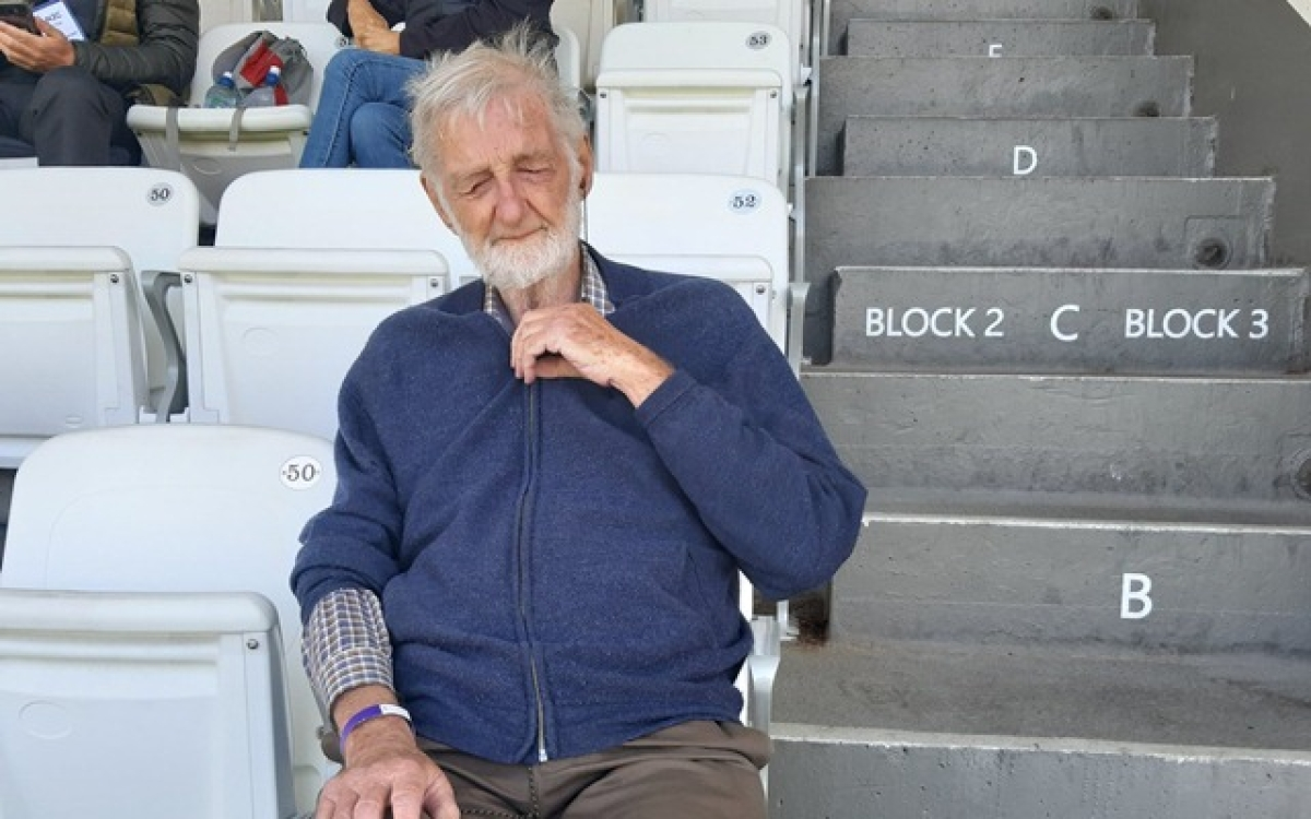 Meet 78-year-old blind person who loves 'feeling' cricket