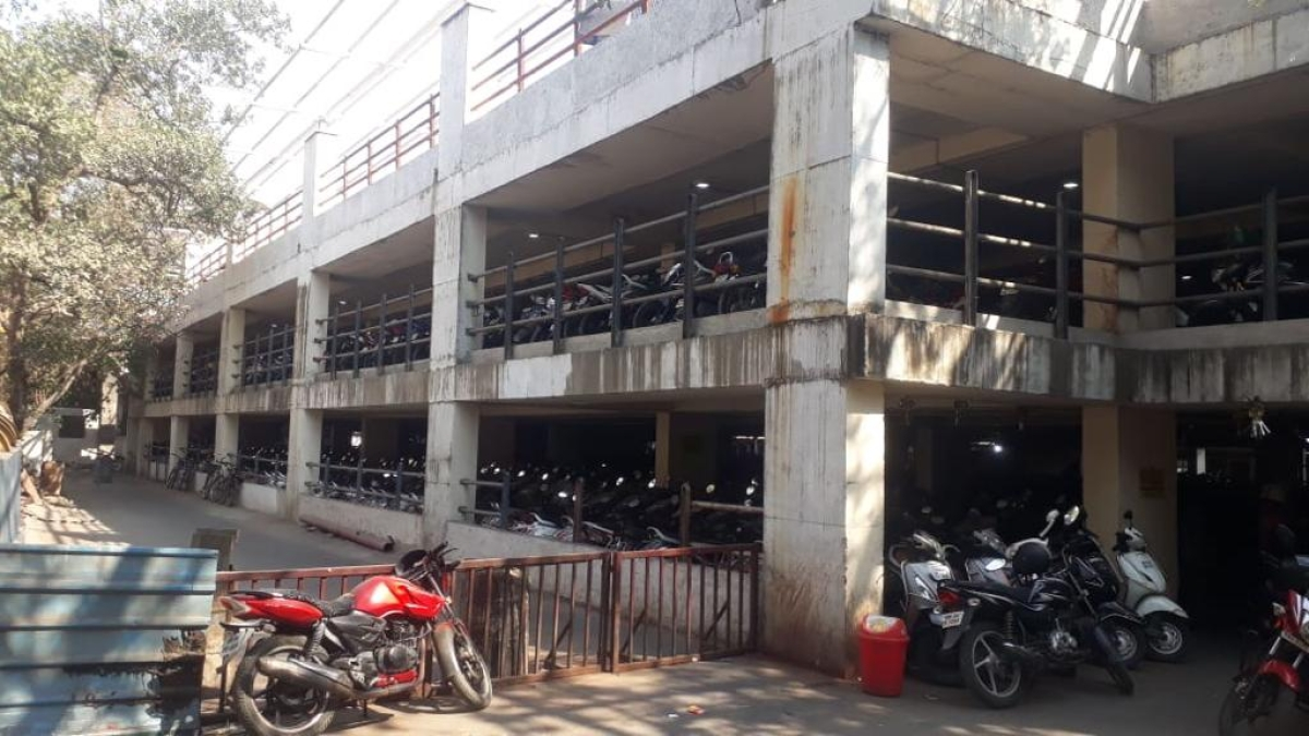 Mega parking lots outside Thane station to decongest exterior