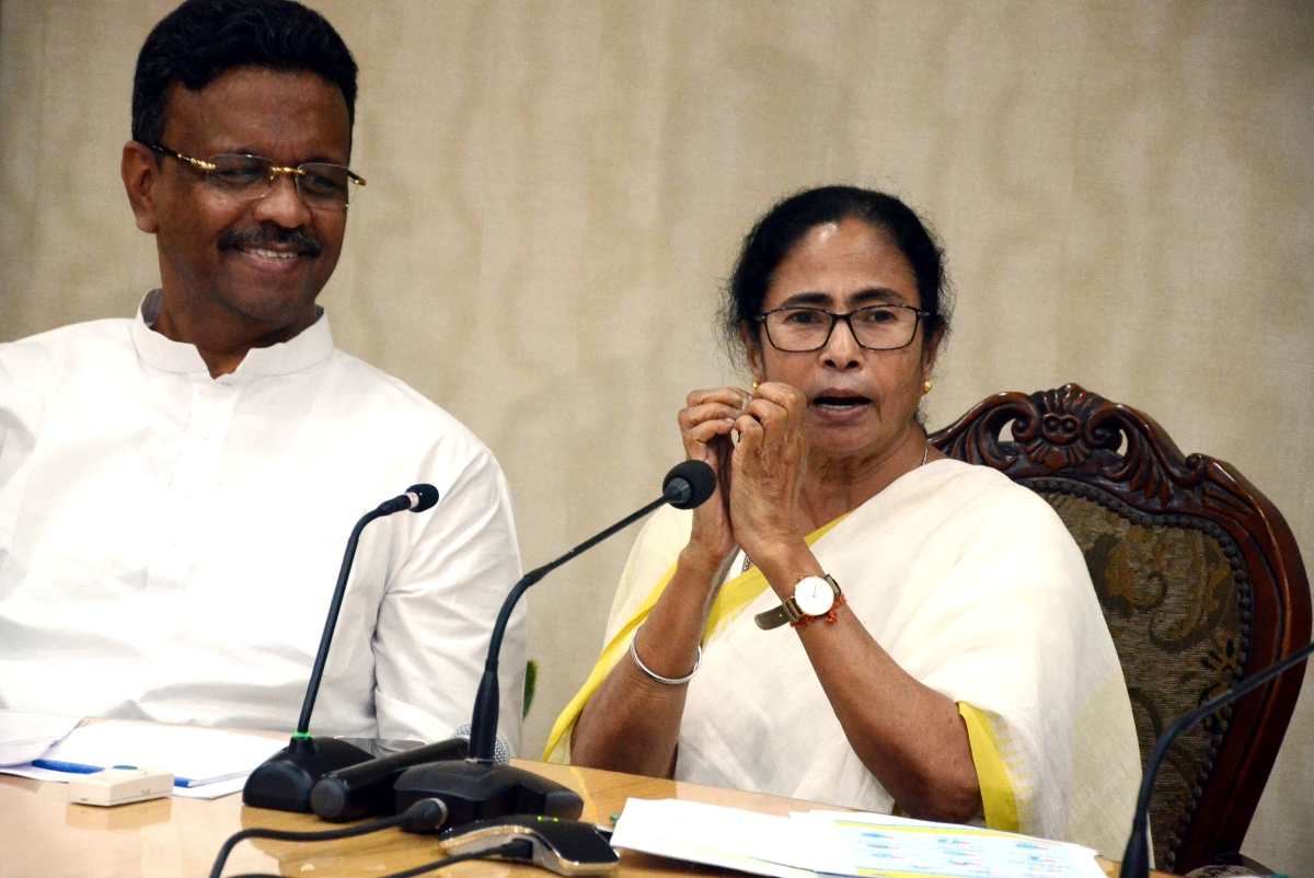 Latest Coronavirus news in India:  Mamata Banerjee says, 'will have to work like a family with the Centre to fight'