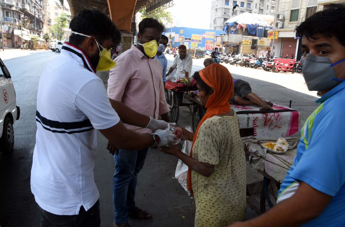 NGO distributes food to the needy people at Mohd Ali Road