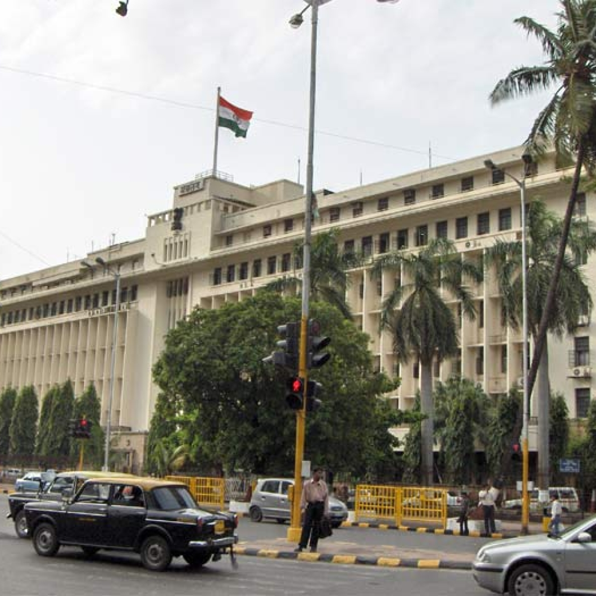 Mumbai: Fire breaks out on the 4th floor of Mantralaya