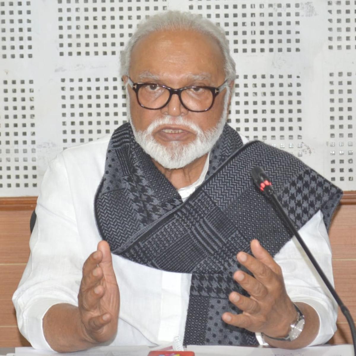 Maharashtra: Chhagan Bhujbal urges Uddhav Thackeray to launch CM Garib Kalyan Yojana for distribution of pulses, sugar, salt, edible oil at concessional rates or for free