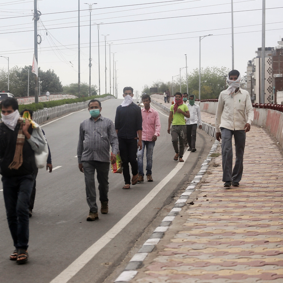 Ex-babus suggest incentives to hold back migrant labourers