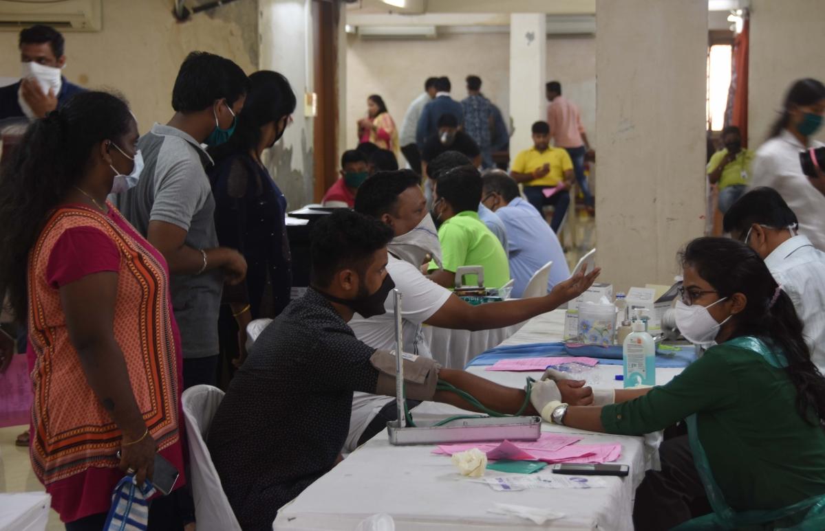 Famous Lalbagcha Raja Ganesh Mandal organised blood donation camp