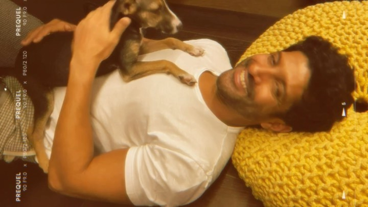 Watch: Farhan Akhtar shares a cute video on how he is enjoying the 'stay home' time and it is aw-dorable!