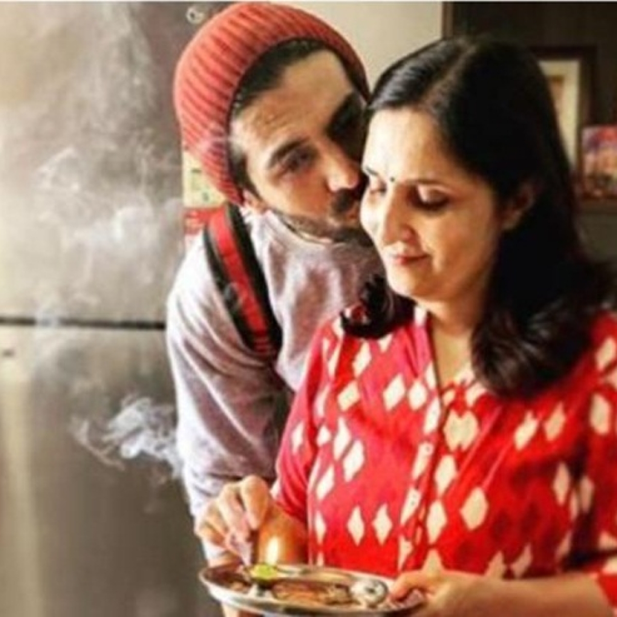 Watch: Kartik Aaryan shares video of his 'mummy being mummy' and it's the sweetest video on the internet