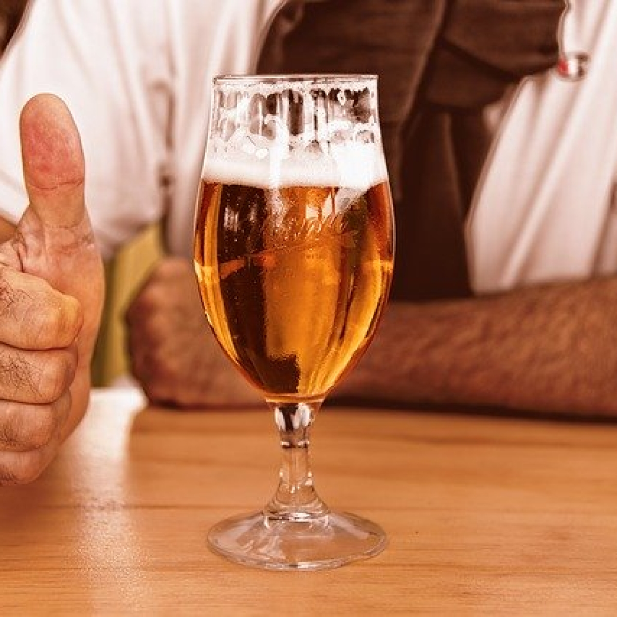 Good News for tipplers in Mumbai: BMC allows home delivery of liquor