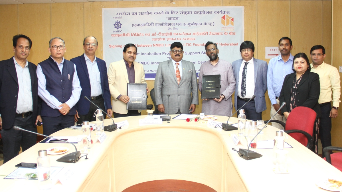 NMDC and IIT Hyderabad signs MOU for Joint Incubation Program