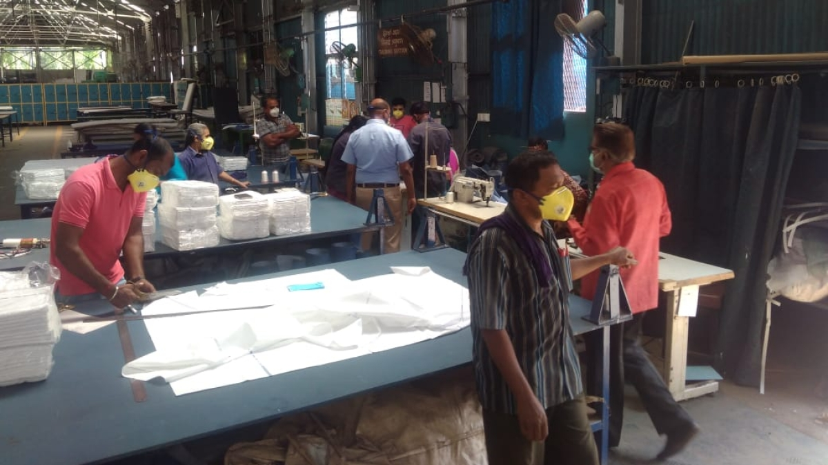 SWR's Carriage Repair Workshop, Hubballi starts manufacturing  masks and protective gowns