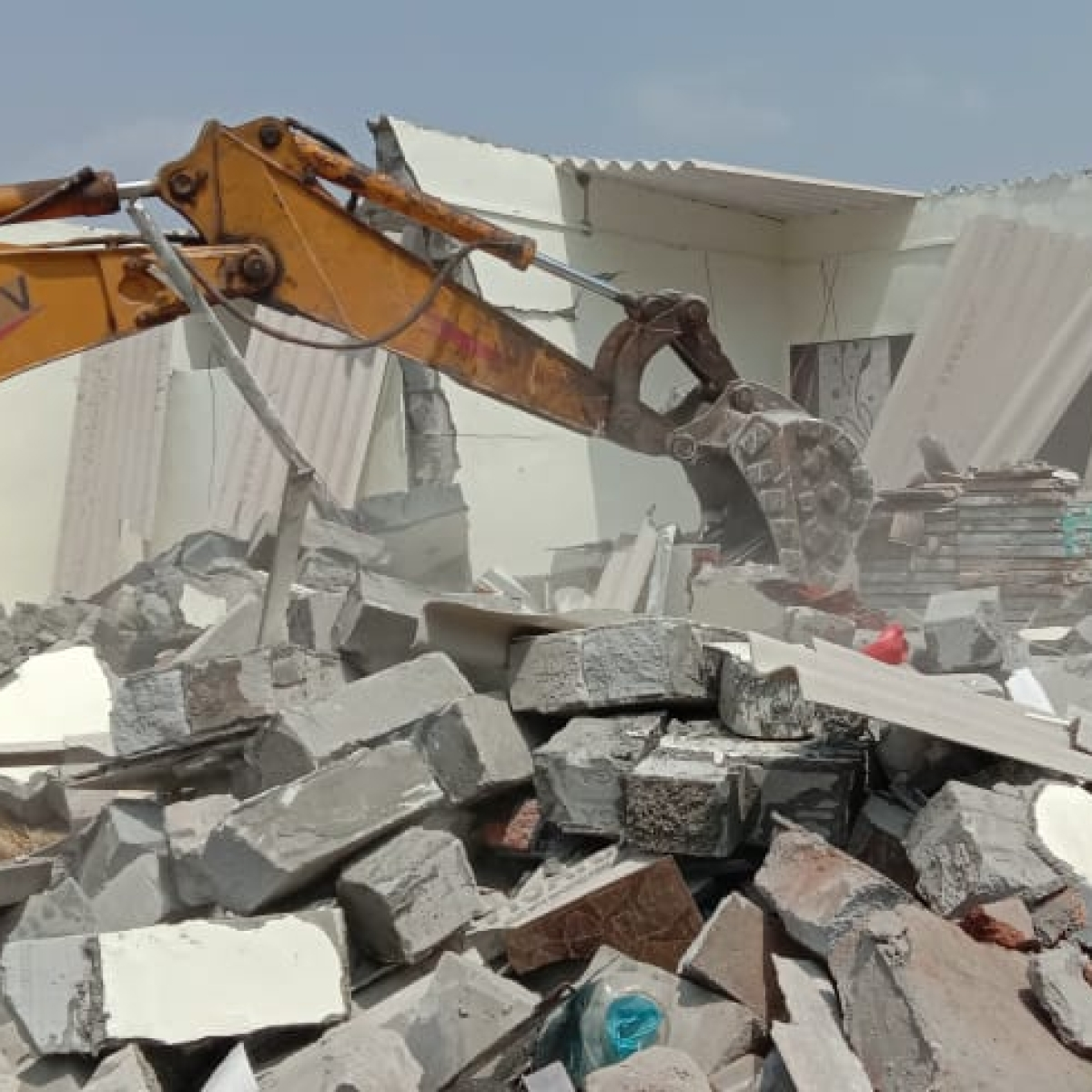 Mumbai Crime: 6 held for pelting stones on MBMC demolition squad