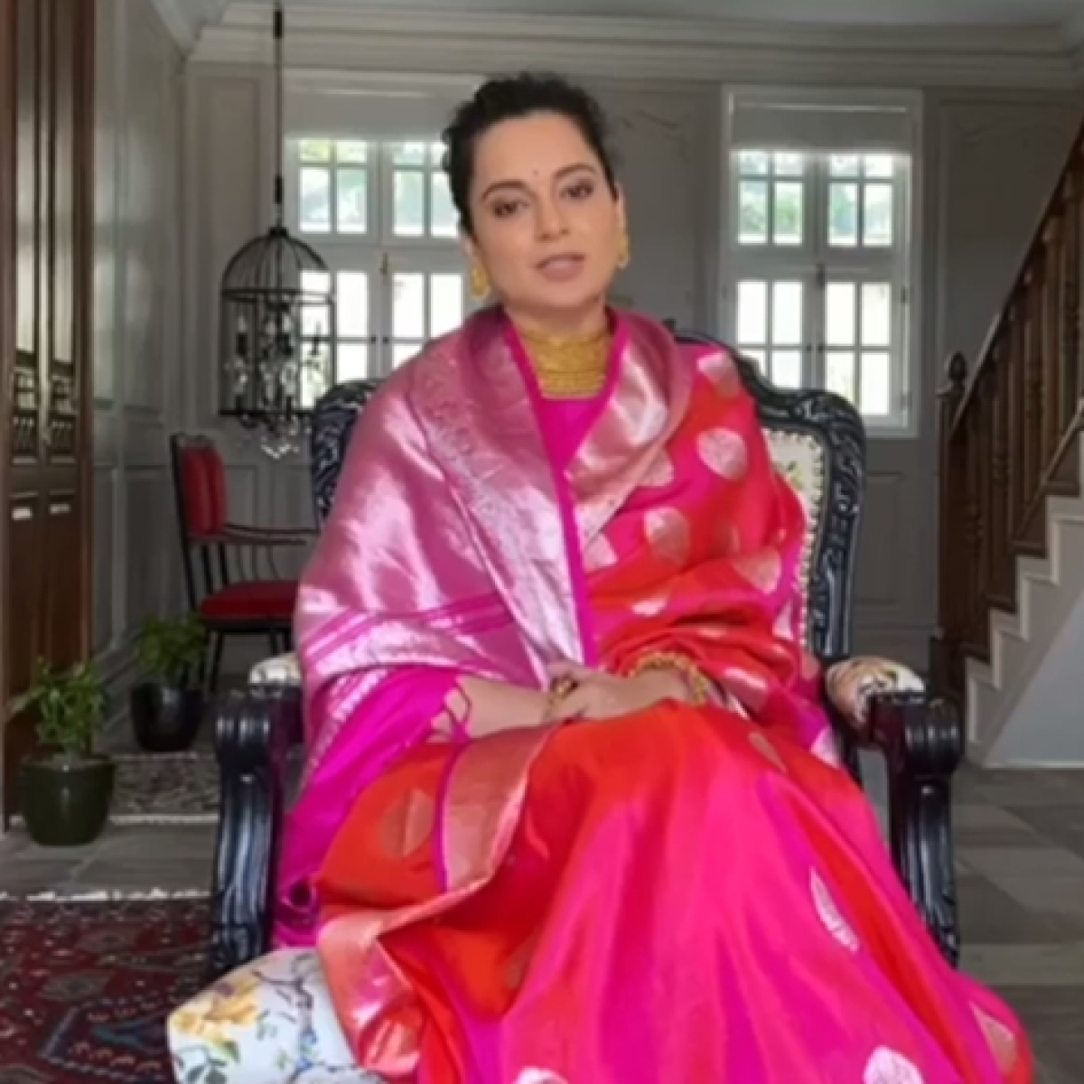 Kangana Ranaut donates Rs 5 lakh to daily wage workers of 'Thalaivi', FEFSI relief fund