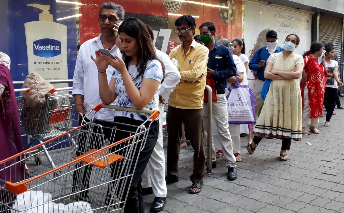 Mumbaikar crowd in Super market to stock up at Star Bazar, Andheri.