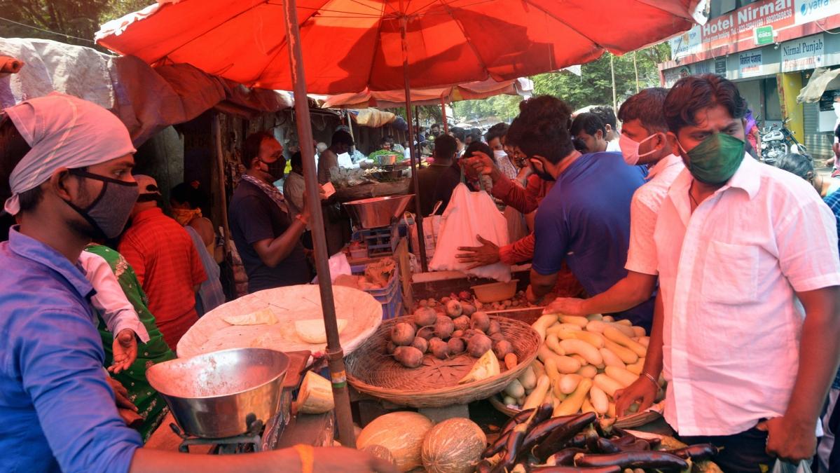 Coronavirus in Mumbai: Vegetable prices soar as supplies plunge