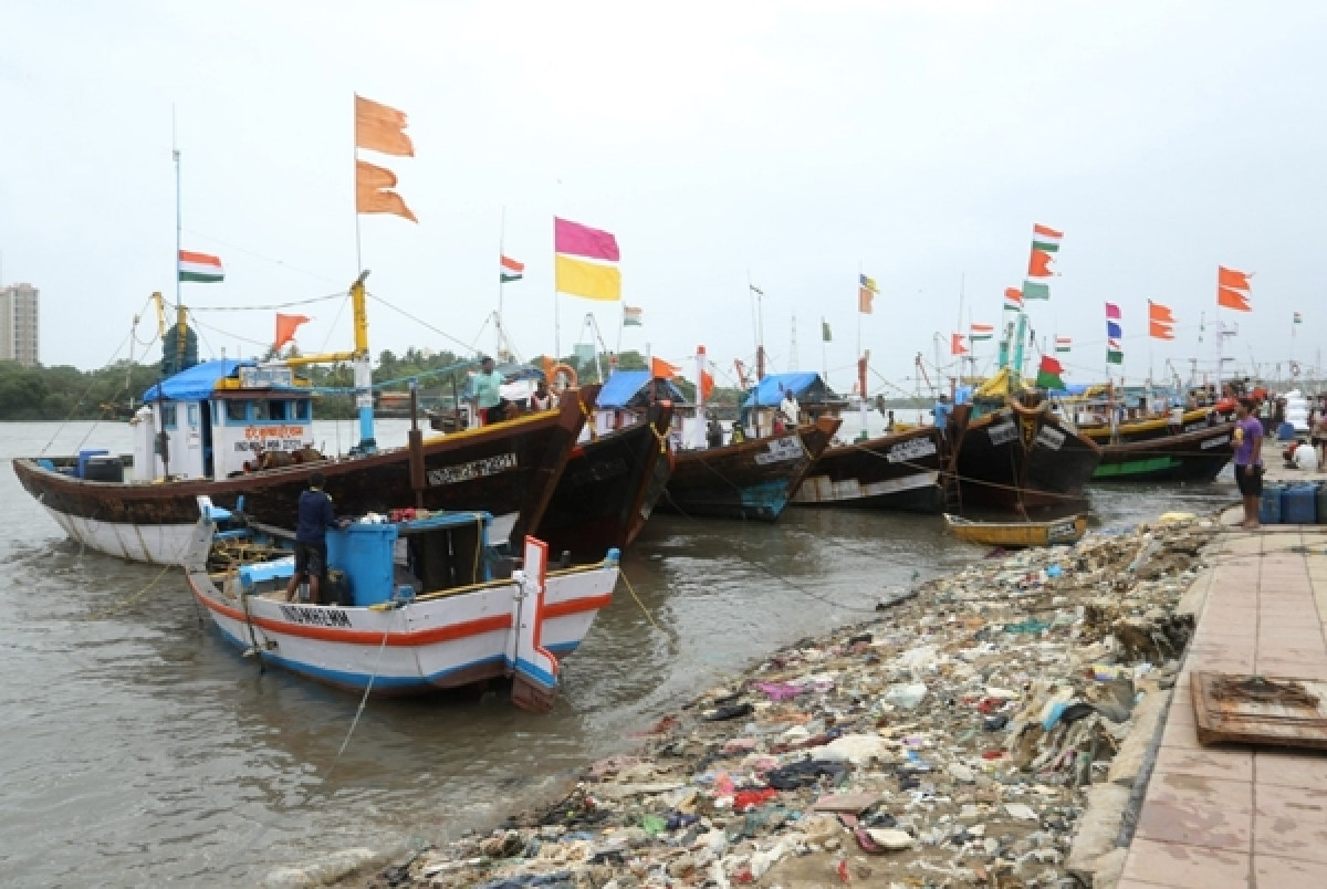 Mumbai: Versova fishing harbour stuck for want of land