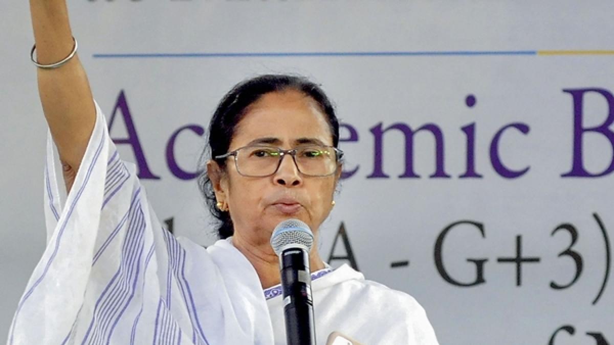 Mamata Banerjee sees sense, finally