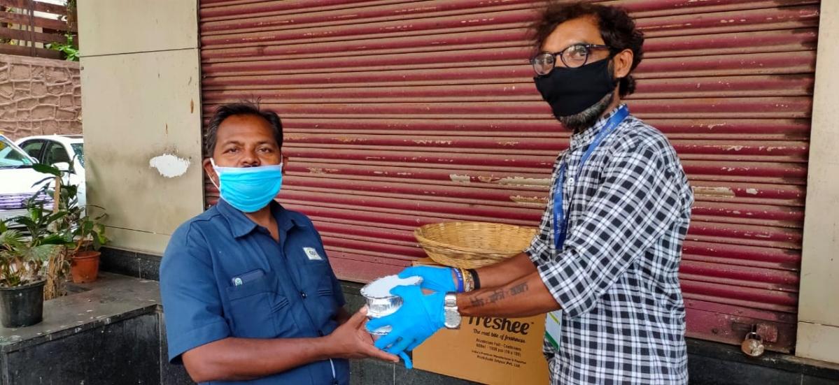 Coronavirus in Mumbai: Roti Ghar provides food to needy people in the city