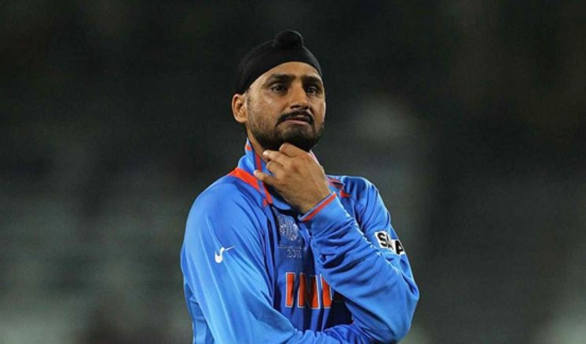 Harbhajan Singh slams lockdown violaters, urges citizens to change their attitude towards police