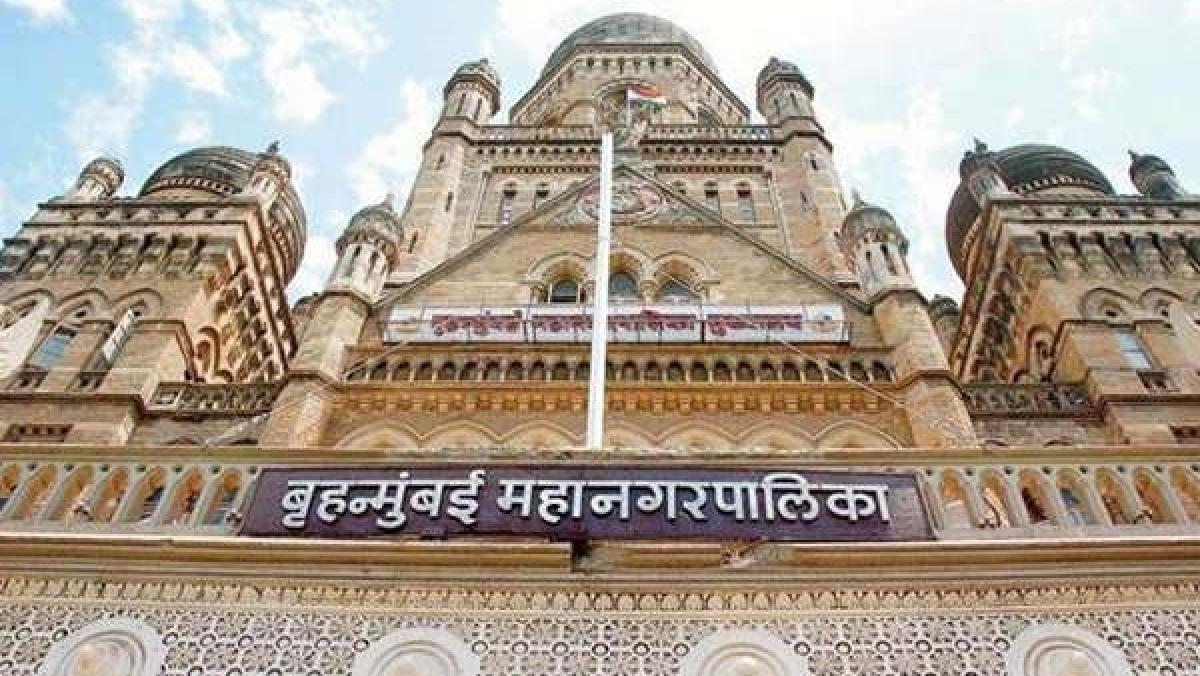 Coronavirus in Mumbai: BMC staffer who tested positive passes away; Twitter condoles his demise
