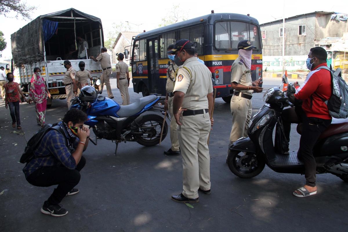 Mumbai: 1,692 booked for violating laws amid lockdown until April 3