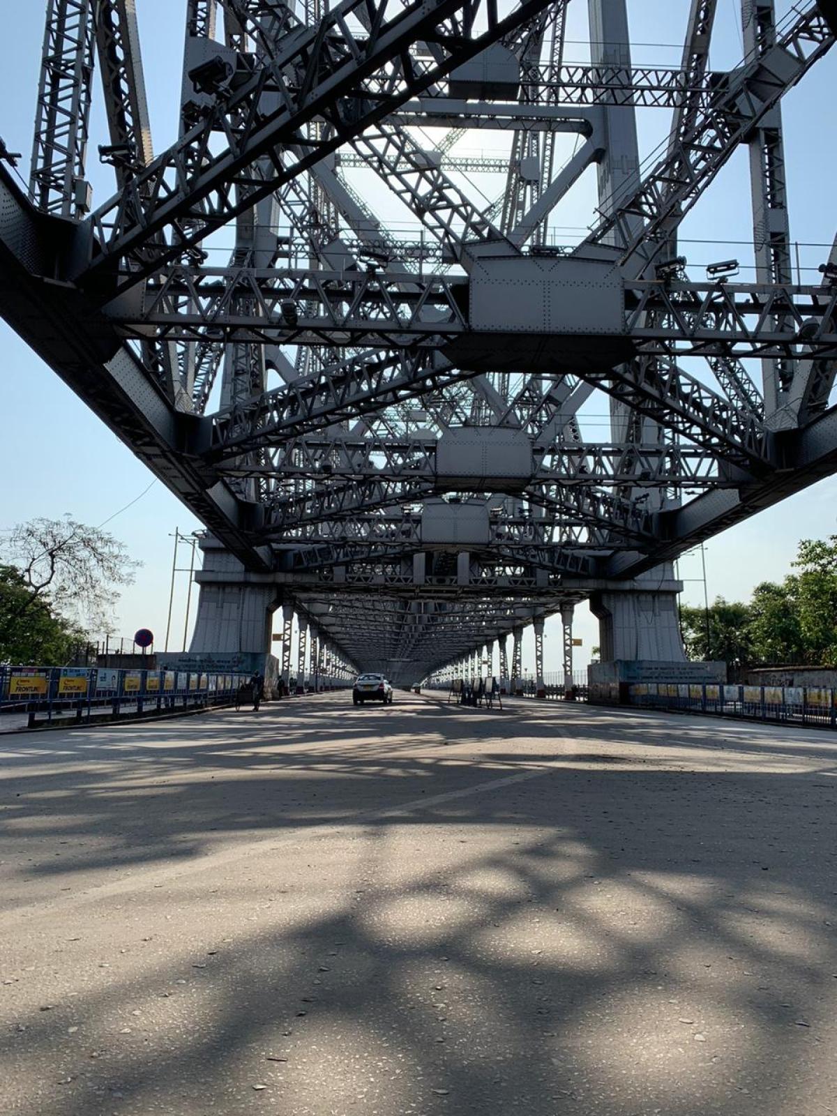 Visuals from Howrah bridge in Kolkata