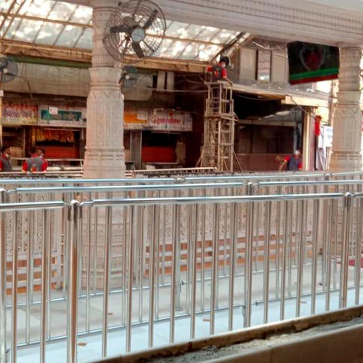 Mumbai: Businessmen outside temples suffer loss