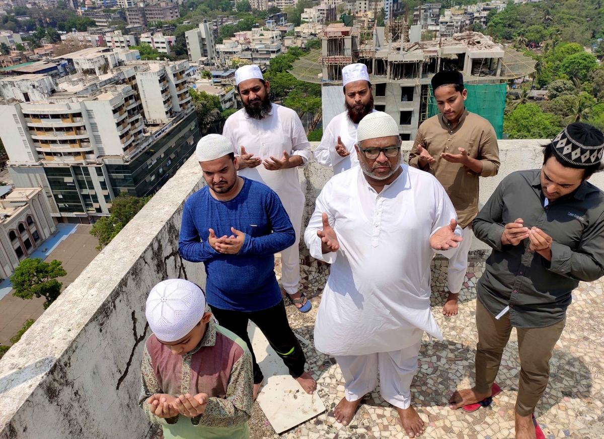 Coronavirus outbreak: Maharashtra govt urges Muslims to break fasts and offer Ramzan prayers at home