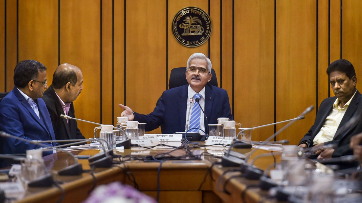 RBI eases bad loan rules, cuts reverse repo rate, freezes dividend payout by banks