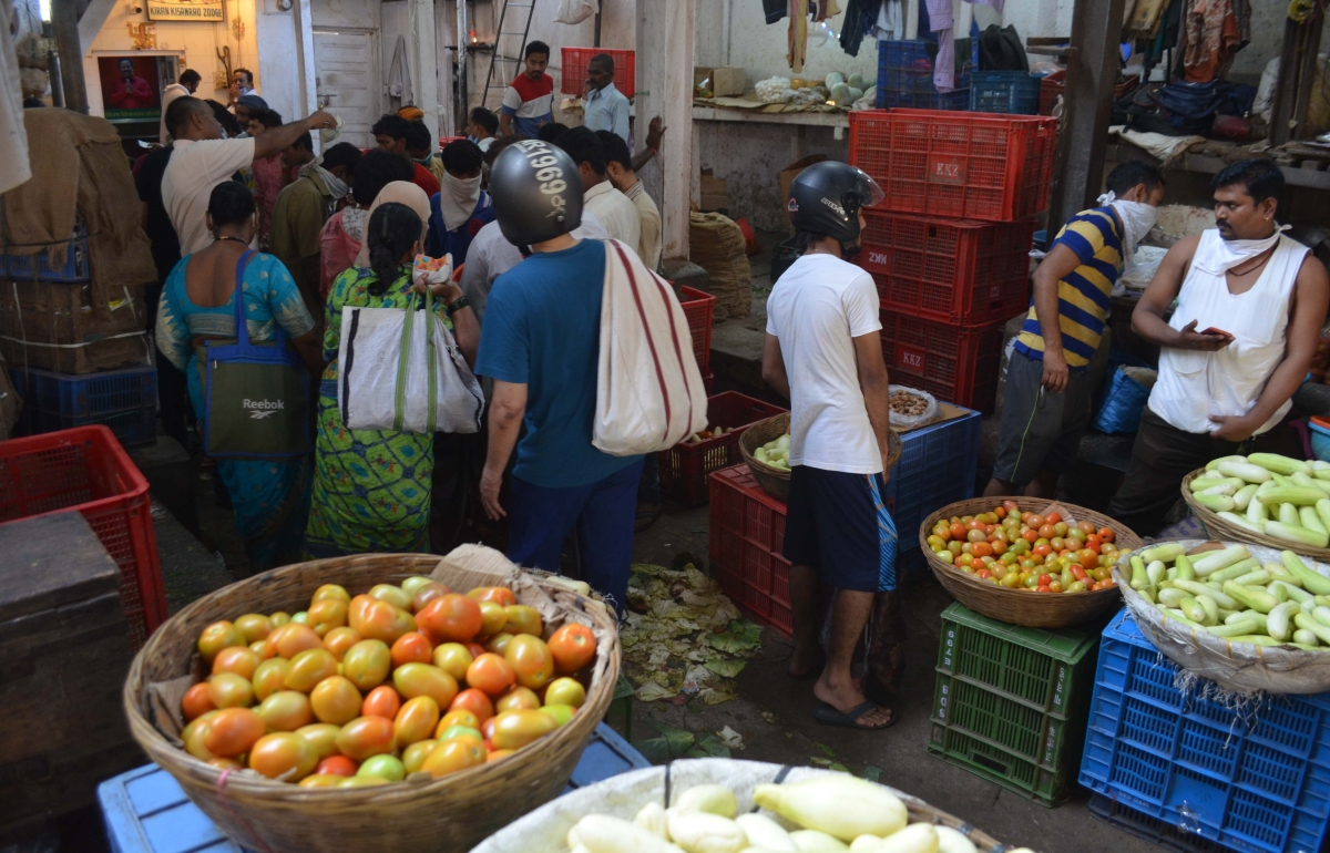 Coronavirus in Mumbai: Pilot project to make vegetables available at society gates