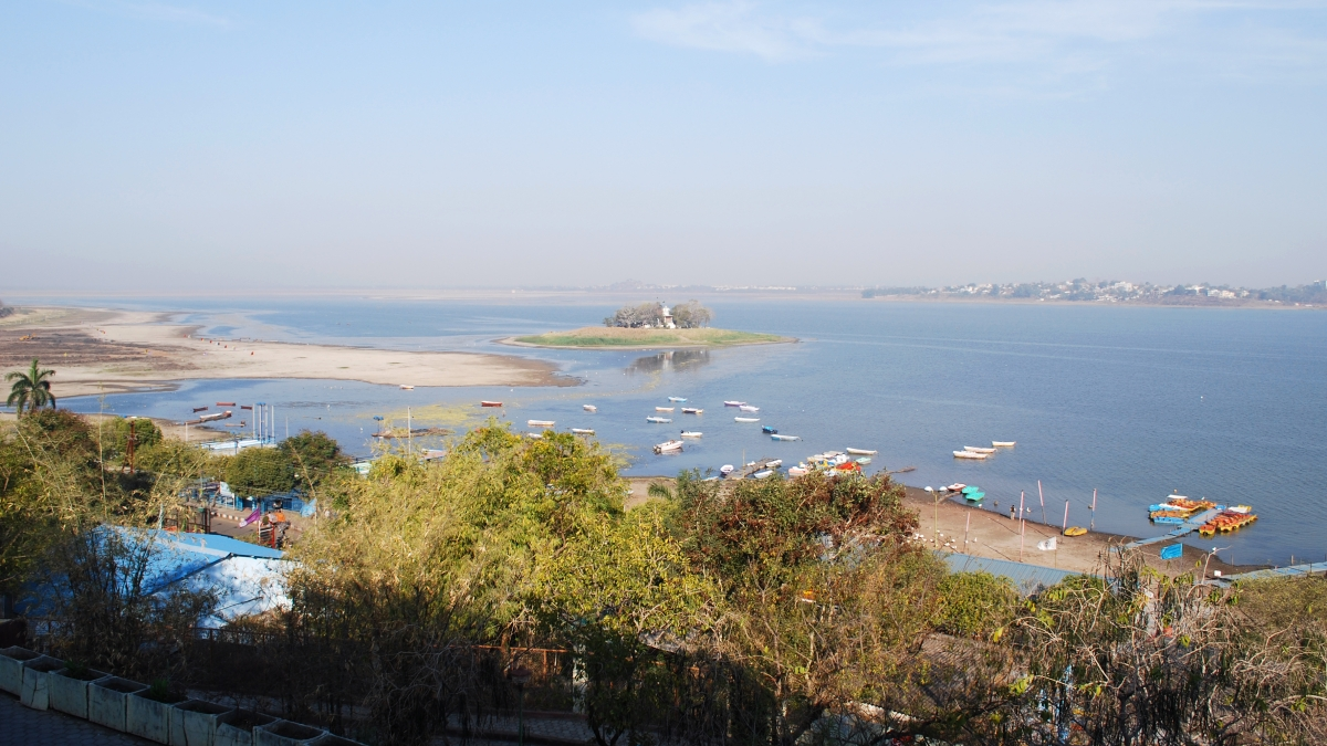 Bhopal: Illegal constructions at Upper Lake stumble out, again